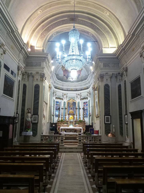 Chiesa-di-San-Martino-in-Gusnago-Mn-Interno.jpg